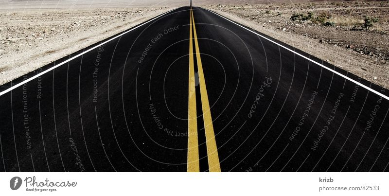Vacation & Travel Loneliness Far-off places Street Road traffic Horizon Perspective Driving USA Desert Asphalt Highway Americas Traffic infrastructure Badlands