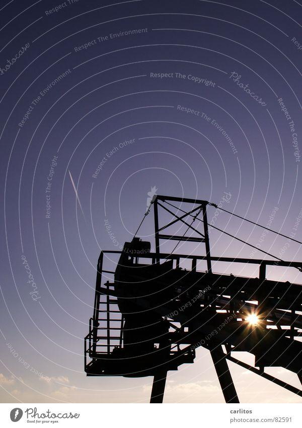 Duo I Dazzle Vapor trail Conveyor belt Back-light Twilight Industry Winter Scaffold Technology Sun Sky Blue