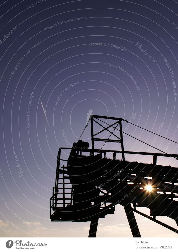 Sky Sun Blue Winter Industry Technology Dazzle Scaffold Vapor trail Conveyor belt