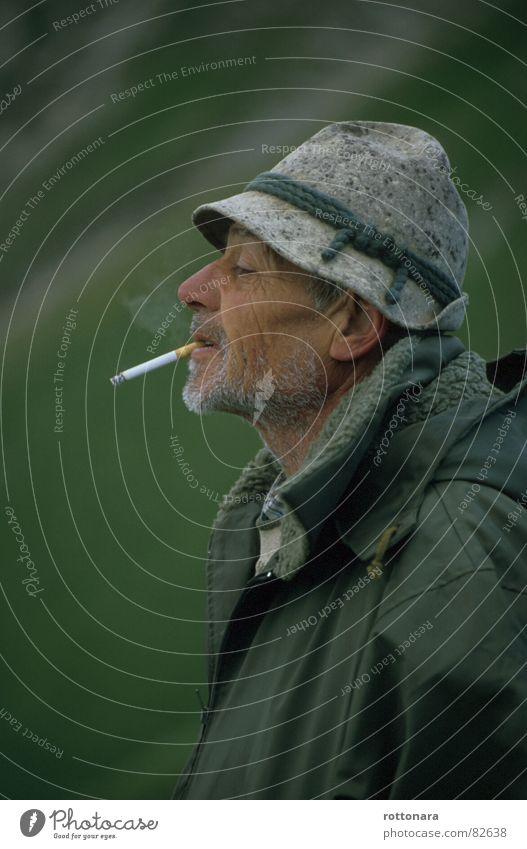 Man Green Summer Senior citizen Fog Masculine Break Smoking Smoke Jacket Hat Farmer Cigarette To enjoy Pasture Alpine pasture
