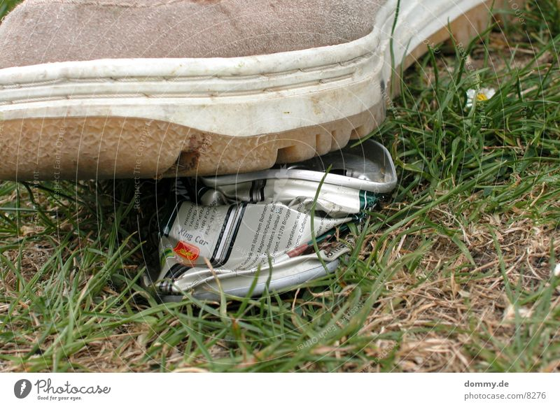Nature Footwear Lawn Broken Tin Destruction Costs Deposit Deposit on cans