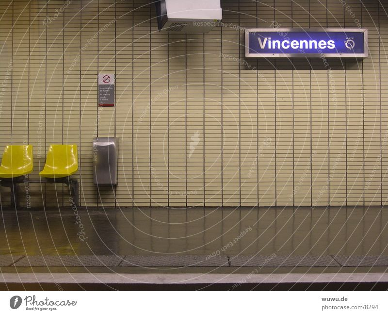vincennes Paris Underground France Platform Beige Neon light Empty Night Transport RER Evening