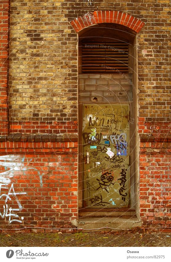 Wall with door Damage to property Terracotta Building Wall (building) Wall (barrier) Brick Red Grating Entrance Access Derelict Patina Daub Windowsill