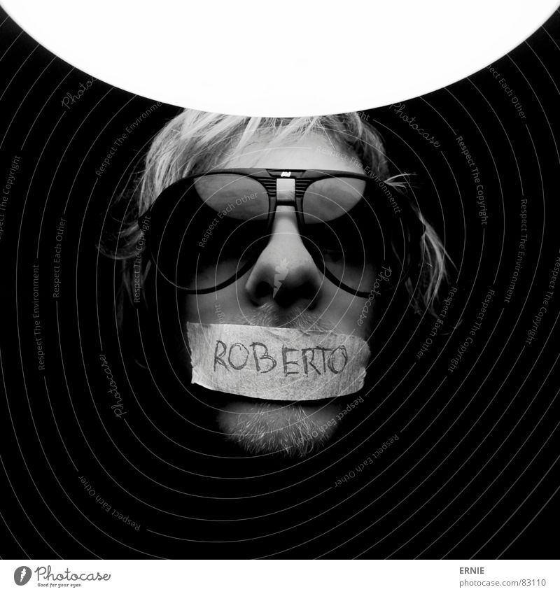 Robööörto Light Eyeglasses Blonde Facial hair Typography Man 1 Characters Sunglasses Black & white photo 1 Person Individual Only one man One young adult man