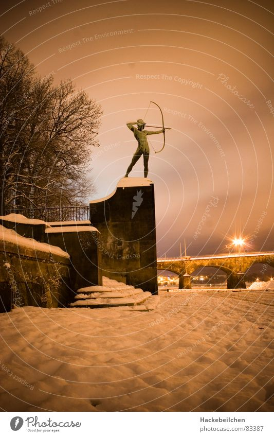 protector Dresden Culture Monument Night Statue Shoot Landmark Snow Arch Archer Bridge