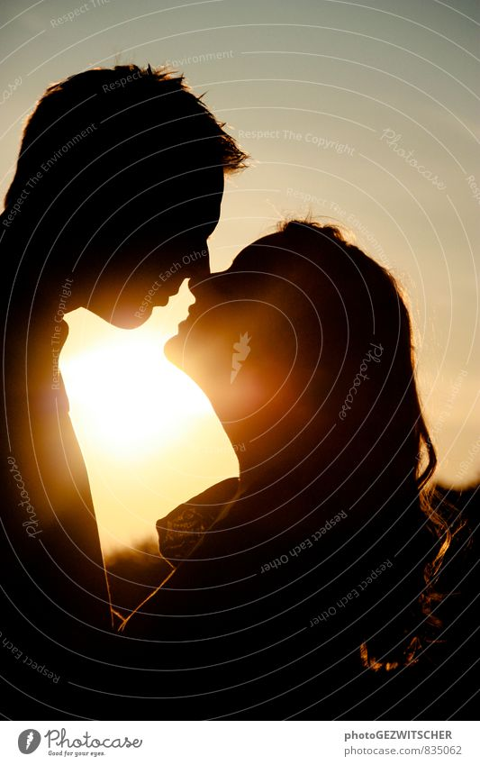 lovers Human being Masculine Feminine Young woman Youth (Young adults) Young man Partner Adults Life 2 18 - 30 years Kissing Smiling Love Moody Happy