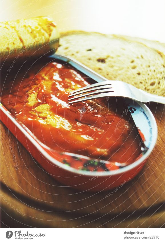 Nutrition Fish Delicious Dinner Tin Disgust Chopping board Cutlery Tin Tin of food Canned fish Tomato sauce Mixed-grain bread