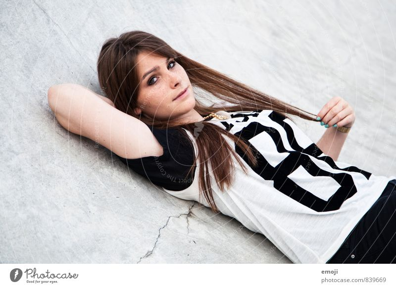 8 Feminine Young woman Youth (Young adults) 1 Human being 18 - 30 years Adults Fashion Brunette Long-haired Hip & trendy Beautiful Gray Colour photo