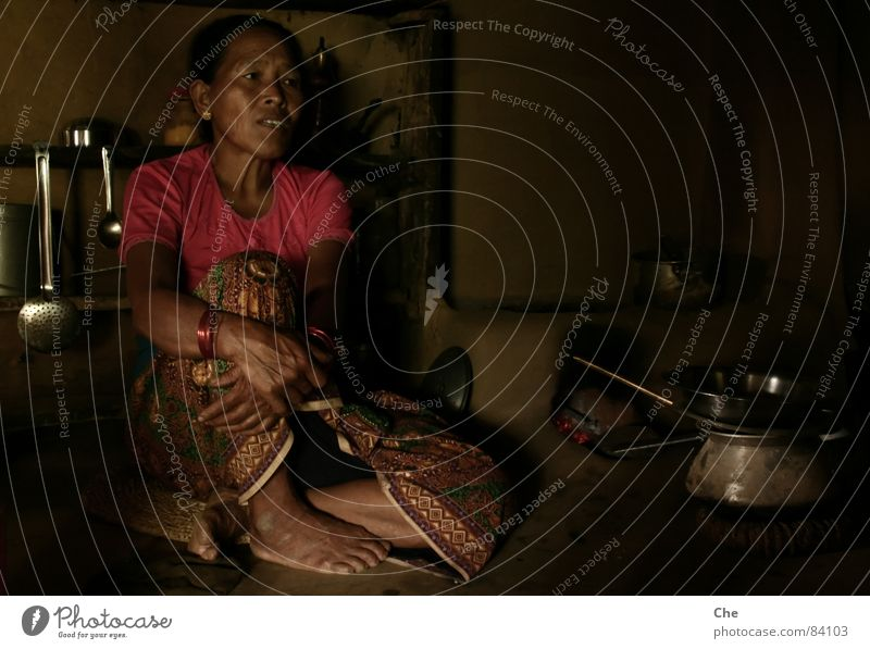 Woman Dark To talk Fear Arm Mother Grief Simple Wrinkles Village Asia Strong Grandmother Hut Crockery Fatigue