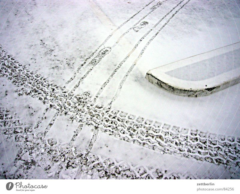Winter Snow Transport Tracks Traffic infrastructure Footprint Parking lot Mixture Gravel Snowflake Grit Split Public transit Snow layer Snow melt Landing Strip