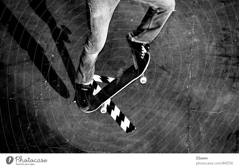 arrow - ollie Halfpipe Striped Pattern Wood Jump Action Sports Skateboarding Style Easygoing Funsport glued Ollie Parking level Athletic Movement motion Coil