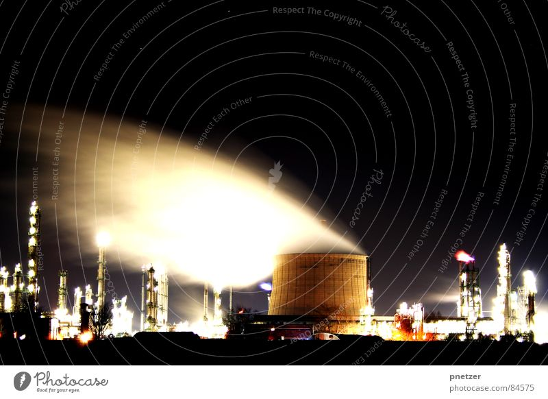 night shift Factory Night Long exposure Building Smoke Light Branch of business Industrial plant Alcoholic drinks Construction site Processing plant Chimney