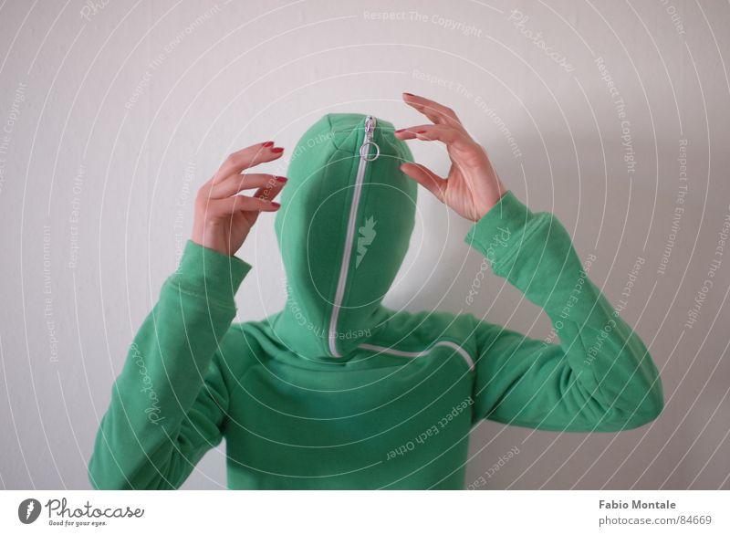 close / open (4/7) Fingernail Series of photos Close Undo Zipper green jacket Drainage