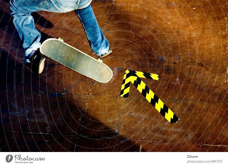 arrow - Kickflip 4c Youth culture Halfpipe Striped Pattern Wood Jump Action Sports Skateboarding Style Easygoing Salto Yellow Trick Hop Griptape Road adherence