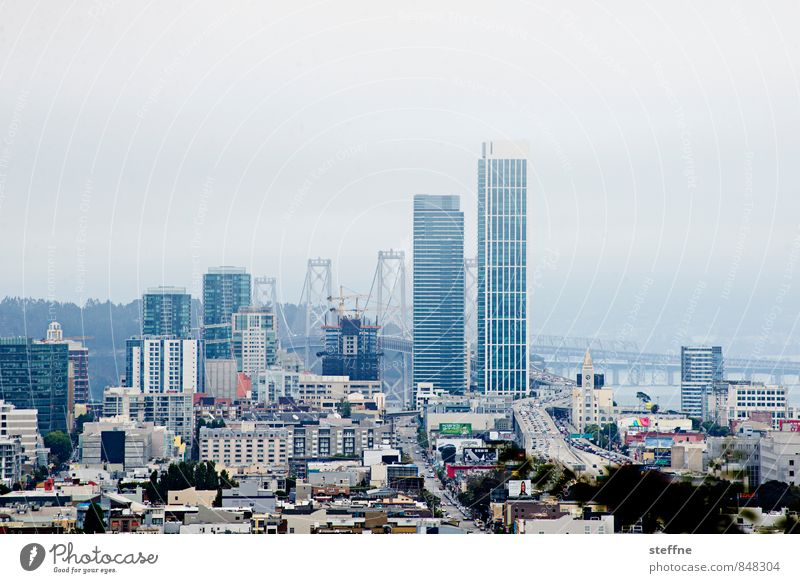 San Francisco | Overview USA Fog Dreary Hill Downtown High-rise Oakland Bay Bridge Copy Space top