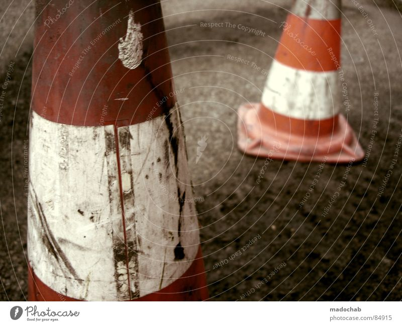 PYLONS OF PASSION Clue Construction site Website Barrier Road traffic Road construction 2 Traffic cone Hat Red Asphalt Bollard Safety Transport Felt-tipped pen