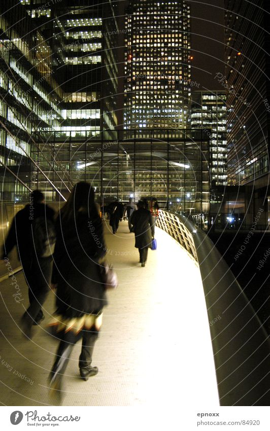 Movement Lighting High-rise Bridge Modern Night London Pedestrian Haste Europe Canary Wharf