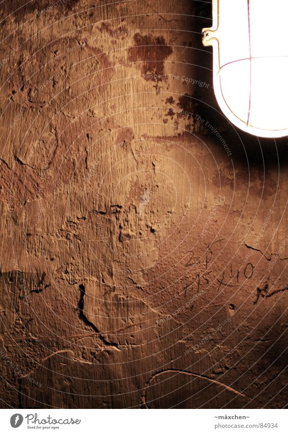 Old Lamp Dark Wall (building) Jump Wall (barrier) Dirty Broken Derelict Decline Plaster Cellar