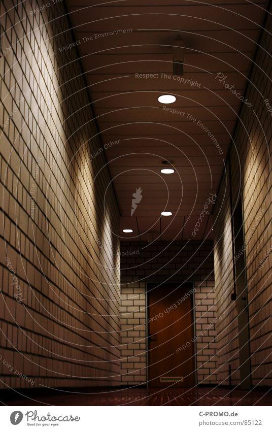 Lanes & trails Door Fear Dangerous Perspective School building Hallway Door handle Grade (school level) Panic Corridor Lessons Beam of light Flare Scaredy-cat