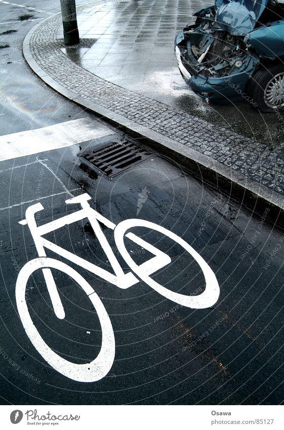 Water Car Line Rain Bicycle Wet Transport Dangerous Broken Damage Grief Asphalt Motor vehicle Sidewalk Traffic infrastructure Pavement
