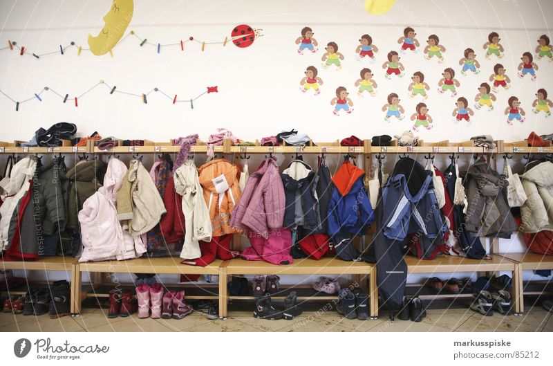 kita Under Rack Kindergarten Preschool Jacket Footwear Decoration Hedgehog Chaos Untidy Education gardobe Bird's-eye view Moon Bench crèche Infancy