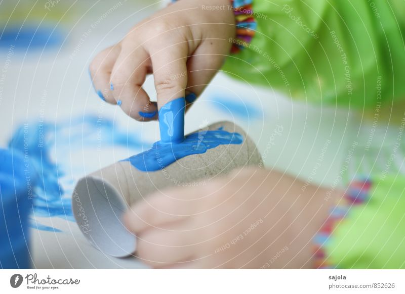spilling - making of Leisure and hobbies Human being Androgynous Child Toddler Hand Fingers 1 1 - 3 years Art Artist Painter Draw Blue Joy Creativity paint