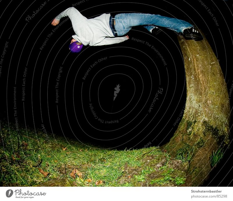 Tree Sports Crazy Running Speed Dress Soul Acrobatics Fisheye Extreme sports Back somersault