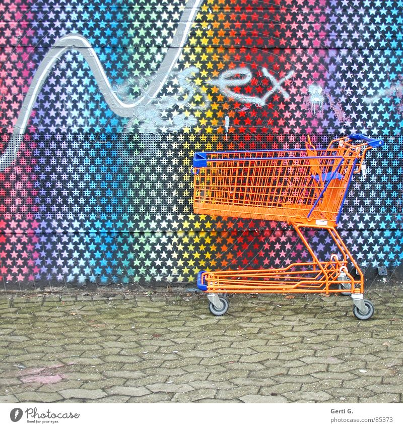 practical, square, SEXy Serving table Shopping Trolley Painted Tagger Art Facade Wall (building) Star (Symbol) Town Sidewalk Forget Multicoloured Household