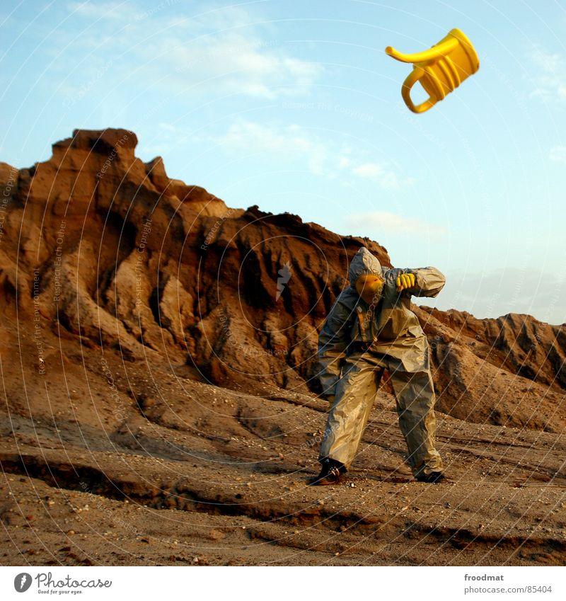 grau™ - canoe flight Gray Yellow Gray-yellow Suit Red Rubber Art Stupid Futile Hazard-free Crazy Funny Joy Weightlessness Planet Jug Watering can Jump