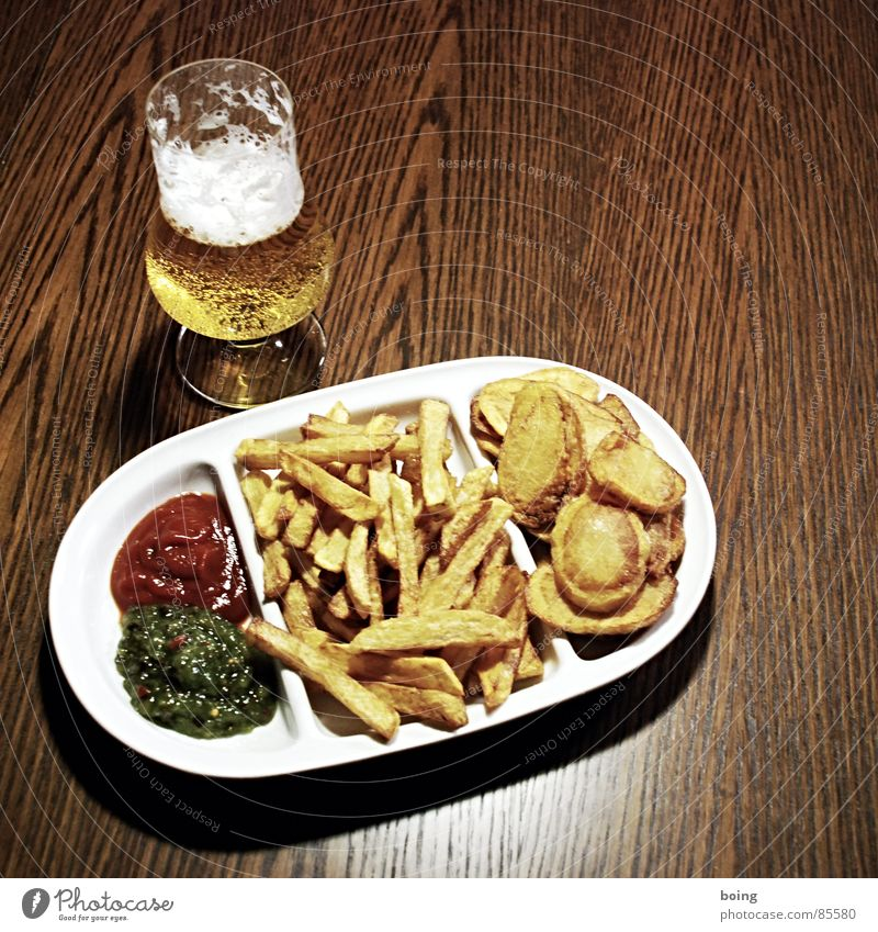 Flower Nutrition Table Drinking Beer Hot Plate Alcoholic drinks Fat Meal Banquet Counter Crockery Fast food White crest Brunch