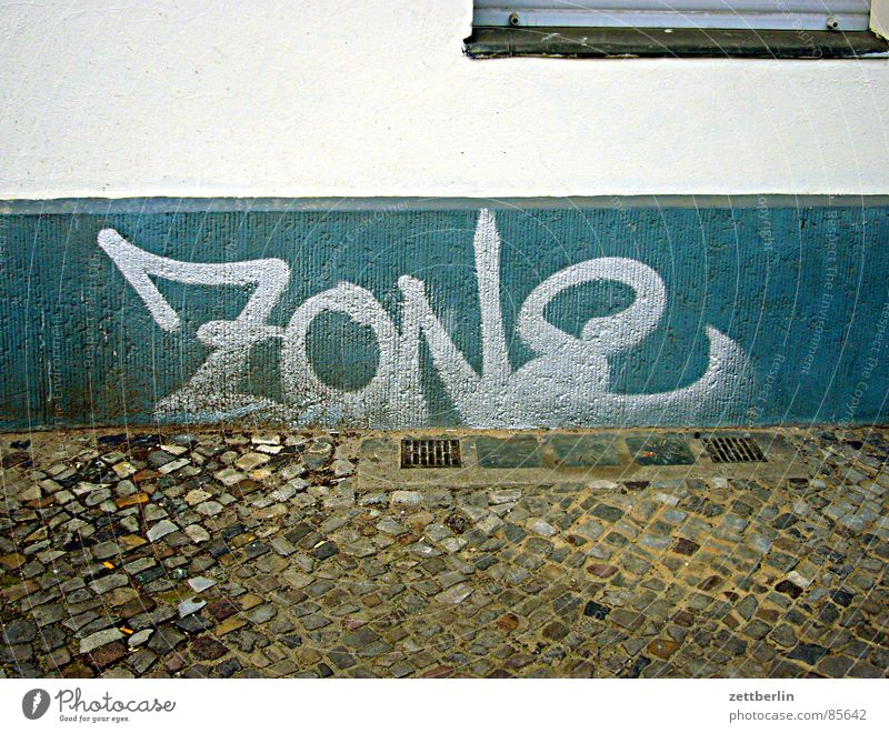 ZONE Zone Tagger Penitentiary Wall (building) Cellar Cellar window House (Residential Structure) GDR Germany Soviet occupied zone Pavement Chastisement Sidewalk