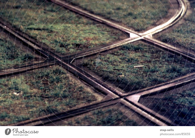 Meeting point Interface Cross Going Grass Railroad tracks Tram Pattern Rectangle Geometry Direction Difference Encounter Bend collide parallelogram digress Date
