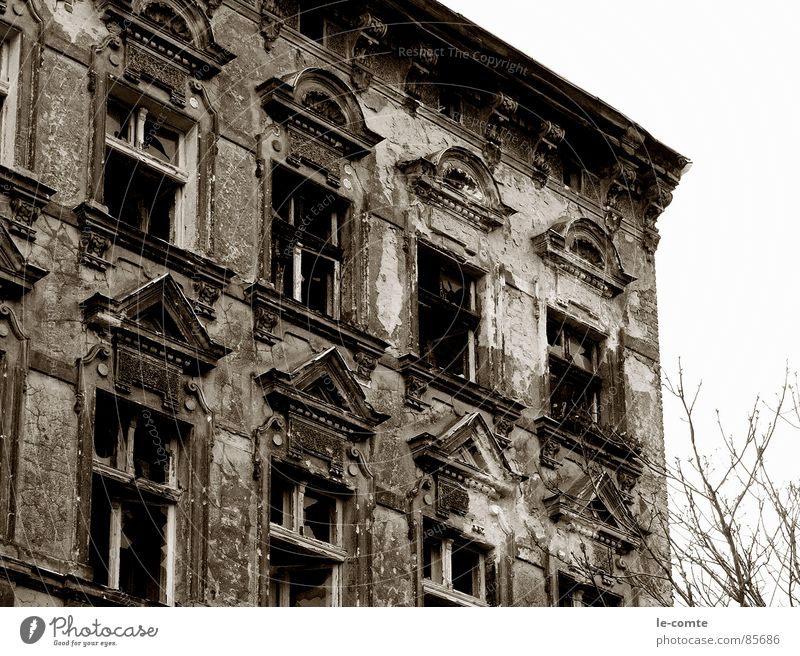 elapsed House (Residential Structure) Derelict Burnt out Old Berlin unrefurbished Shabby Loneliness