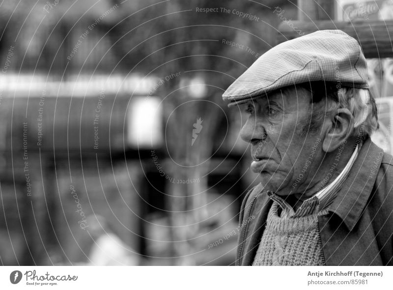 The old man's heart... Senior citizen Grandfather Black Portrait photograph Exterior shot Wisdom Truth Open Lisbon Compassion Clarity Gentleman Man Male senior
