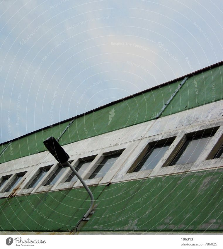 Sky Old Green Loneliness Window Metal Lamp Work and employment Industry Stripe Industrial Photography Manmade structures Factory Derelict Dresden