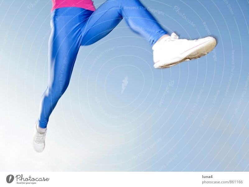 Human being Woman Sky Youth (Young adults) Blue Young woman 18 - 30 years Adults Feminine Sports Legs Jump Fitness Athletic Running Sportsperson