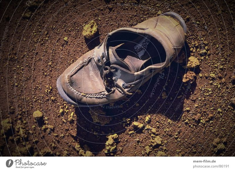 old shoe Footwear In transit Going Tread Bond Rubber Leather Leather shoes Leisure and hobbies Events Hiking Cloth Dirty Things Second-hand Obscure Transience
