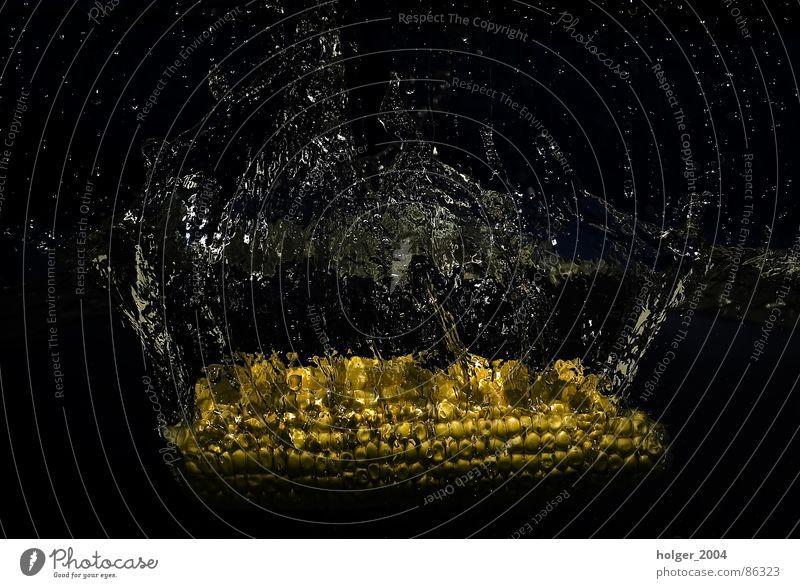 Water Glittering Dive Inject Aquatic Splash of water Corn cob Water container