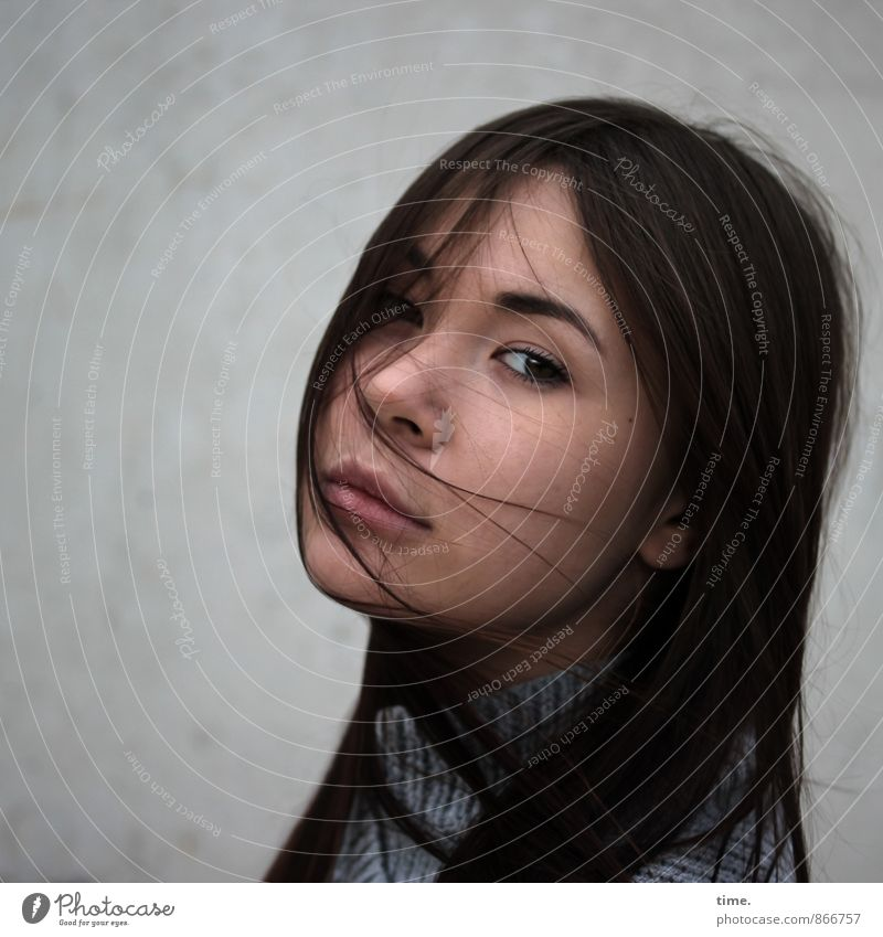 . Feminine 1 Human being 18 - 30 years Youth (Young adults) Adults Sweater Brunette Long-haired Observe Dream Beautiful Passion Trust Caution Serene Patient