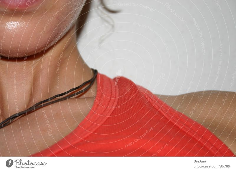 ordinary Woman Top Red Leather strip Chin Shoulder Summer Nerviness Carrier Sunbathing Orange Chain Lips Detail