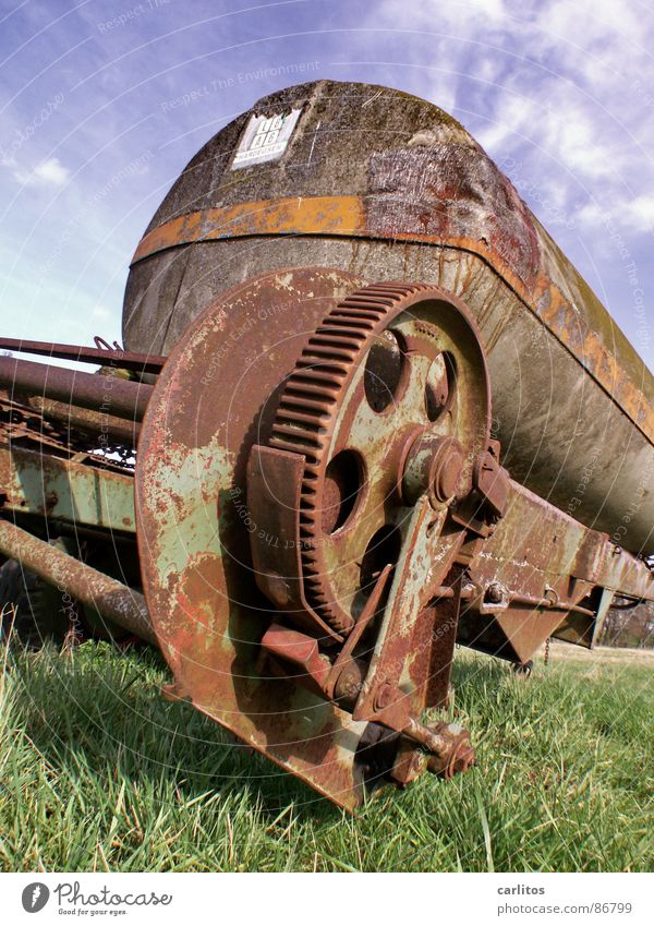 Old Green Grass Broken Transience Agriculture Farm Rust Gearwheel Tank Scrap metal Trailer Impulsion Defective Useless Invalided out