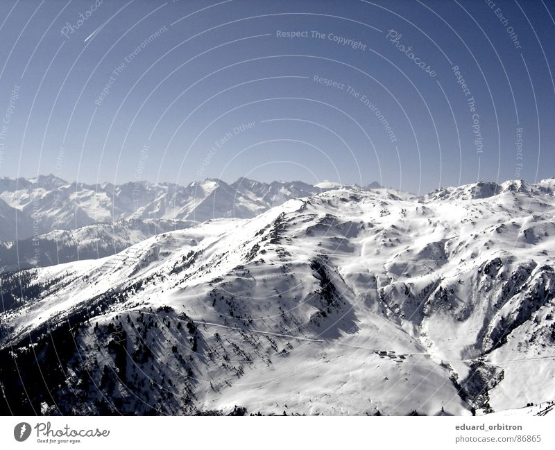 Blue Landscape Calm Far-off places Winter Mountain Snow Freedom Rock Horizon Tourism Beautiful weather Alps Snowcapped peak Austria