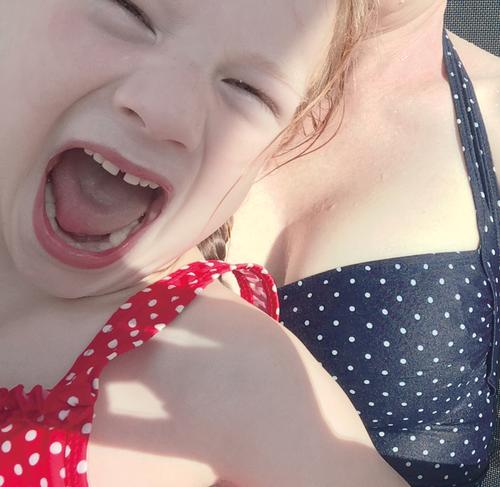 Human being Child Blue Red Girl Face Emotions Feminine Swimming & Bathing Infancy Crazy Breasts Swimming pool Anger Stress Scream