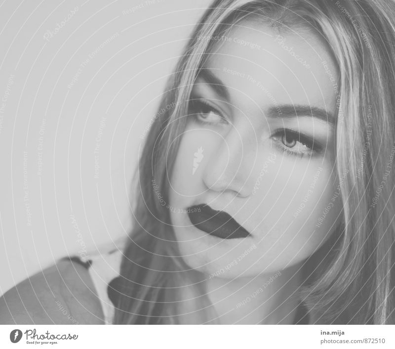 young woman with black lips Style pretty Cosmetics Human being Feminine Young woman Youth (Young adults) Adults Face 1 18 - 30 years 30 - 45 years Think Dream