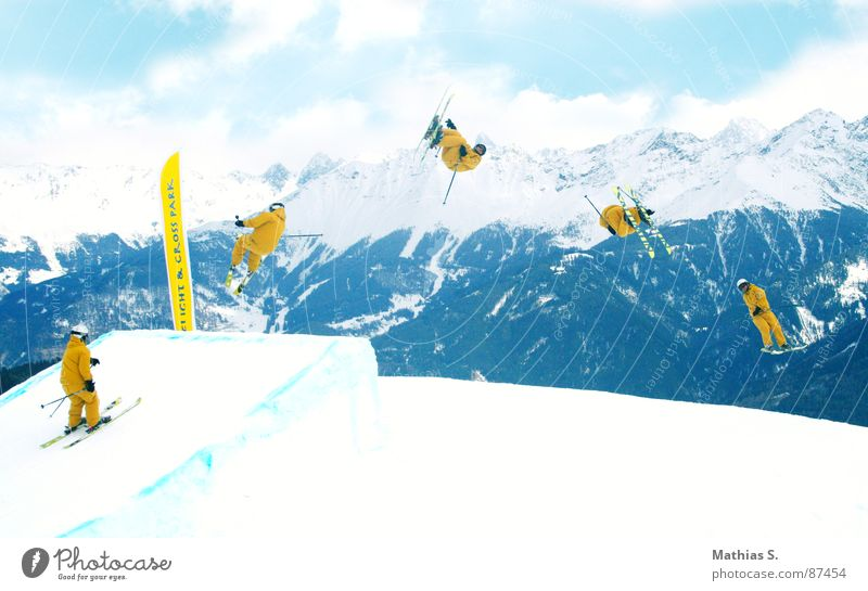 Sun Clouds Joy Mountain Yellow Snow Style Sports Flying Jump Leisure and hobbies Air Tall Posture Alps Snowcapped peak