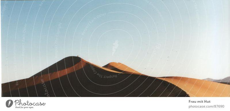 Sky Colour Sand Moody Earth Horizon Multiple Vantage point Floor covering Africa Climate Desert Beach dune Beige Colour tone