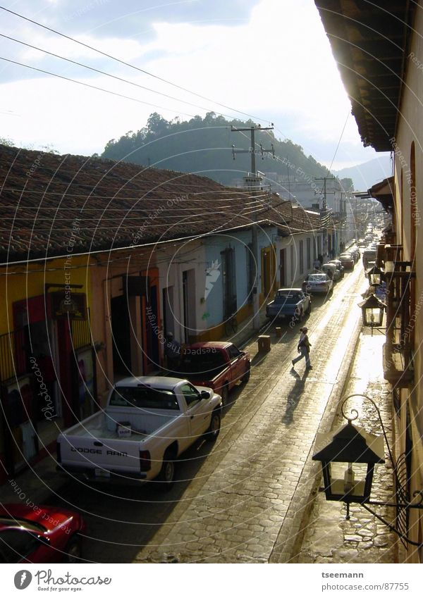 Via la Mexico Chiapas Lantern Facade Light House (Residential Structure) Neighbor Traffic infrastructure Historic Cristobal san cristobal de las Casas casas