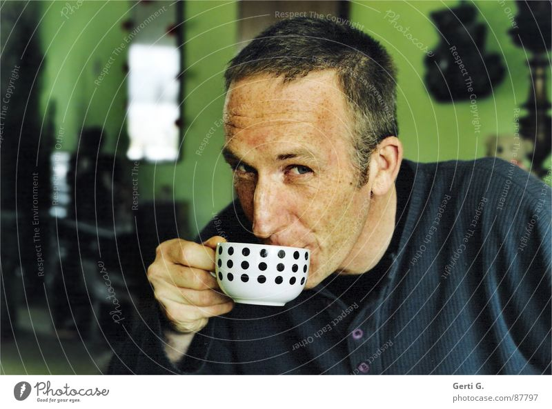 Human being Man Hand Green Blue Room Flat (apartment) Masculine Coffee Drinking Gastronomy Point Hot Face Cup Freckles