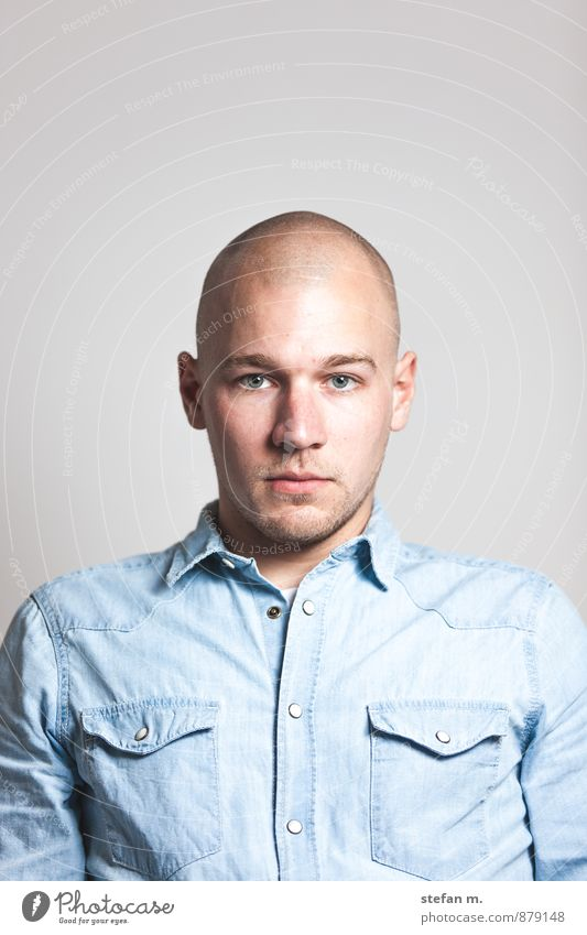 Human being Youth (Young adults) Man City Young man 18 - 30 years Adults Masculine Uniqueness Motionless Sharp-edged Bald or shaved head Hard Reliability Gaze