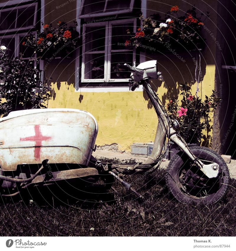 Old Flower Yellow Window Grass Back Transience Lawn Scooter Varnish Fork Redevelop Motorcycle Scrap metal Bicycle handlebars Cutlery